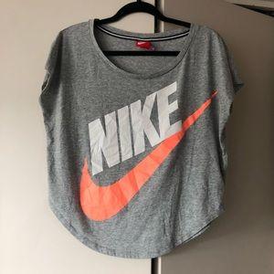 Nike Women's T Shirt Size Small
